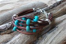 Wrap/Multi-Look Bracelets / by Emily Carignan