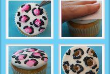 cupcakes / by Mary Molina