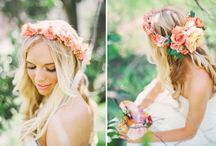 Flores para el pelo / by Flores y Color