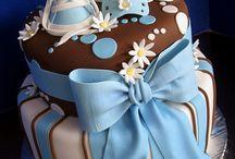 Cakes / by Yvonne Sim
