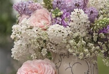 Flowers and vases & Bridal Bouquets  / by Tam