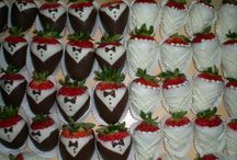 Cupcakes & other yummy stuff / by Natalie Bryn-Roth