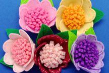 flores en fieltro / by Mery Badilla