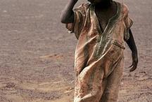 Uzuri wa Afrika / by Michaela Hartman
