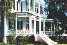 Old South Plantation Homes / by Kathy Malphrus
