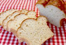 Yums | Bread / by Kaycee Bassett