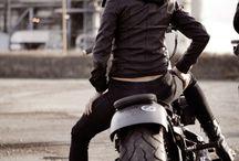 Motorcycles / by Alexander de la Mancha