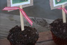 Cupcakes/Cake Pops / by Christy Watson
