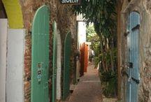 Alleys / by Angela Reyes