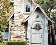 next house hen house ideas / by Ronda Forgette