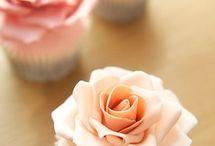 Cupcakes, cakes, and stuff / by Valeska Miranda