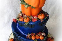 Halloween Cakes / by CaljavaOnline.com