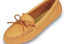 Men's Deerskin Moccasins - Minnetonka  / Guaranteed low prices for Men's Minnetonka Deerskin Moccasins