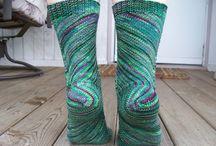 Knit SOCKS! / by Dianne Shiozaki