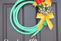 Wreaths / Holiday, monogram, or any other fun idea to decorate your door! / by Helen Burkett