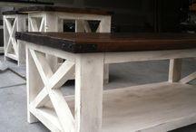 DIY Wood Projects / by Hannah Whittington