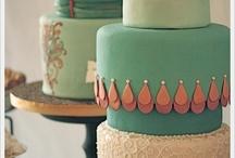 Cakes / by Jenise Minas