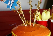 Cakes, cupcakes, cosas dulces / Diseños de queques, ideas para hacer modelaje en los queques y cupcakes, cake pops.  / by Karina Quiros