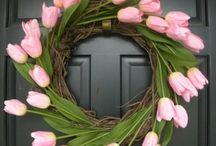 Door Decor / by Dianne Koenig Mejia