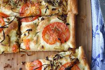 Pizzas / by Maria