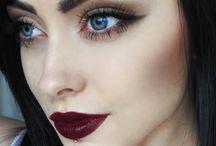 Makeup & Nails / by Sara Hannay