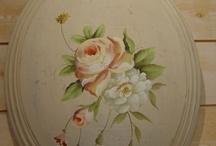 Decorative (Tole) Painting / by Mariela Valdivia
