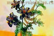 arboles y flores / Elaborados con mostacilla / by beatriz