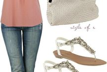 Mom Style / Fashion and Jewelry / by It's A Mad, Mad, Mommy World