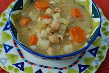 Soups/Chilis / by Jennifer S