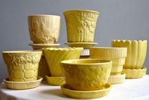 ViNTaGE PLaNTeRs,PoTTeRY, VaSEs,PoTs / by Vintage Mama