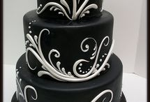 Pretty Cakes / by Lisa Merrett