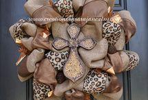 wreaths / by Rebecca Freeman