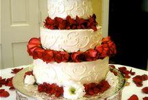 Wedding Cake ideas  / by Kelsea Long