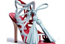Shoes that are worthy of a pin!! / by Kym Smith Salter
