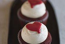 Cupcakes <3 / by Kristen Tessier