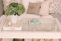 Home Inspiration - Living Room / by Marie Fox