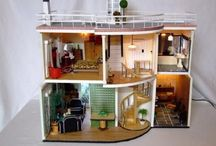 Doll houses & Miniatures / by Ruchi Manglunia