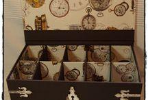 Cajas y pequeños muebles decorados / decoracion de cajas y muebles. Técnicas de transferencia y decoupage / by Ana Elisa Prediger