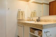 Banheiro / Bathroom / by Aline Sandra Barbosa