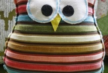 HooT! HooT! I love owls! / by Kelly Odom