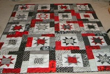 Quilts with Red, Black & White / by Lorna McMahon