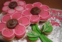 Cupcakes/cakes / Cakes and cupcake ideas. If you are looking for holiday ideas they are under holiday specific boards / by Monica Papp Todd