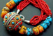 jewelery / by Mónika Alberti-Bötkös