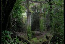 Ruins / by Claudia Peel