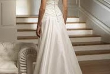 Marry me / Simple. Understated. Elegant. / by Angela Matthys