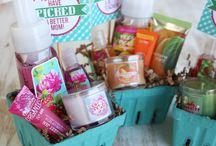Gift ideas / by Beth Masog