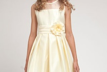 Flower Girl Dresses/Jr. Bridesmaids / by Jasmine Cuesta