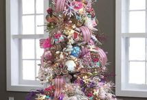 CHRISTMAS TREE / by Sue Dewland