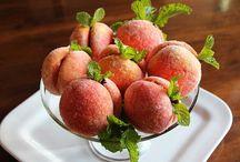 Dessert/Sweets (Not Cakes) / by Diane Karwoski
