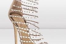 Bellos zapatos / by Kattia Barrantes